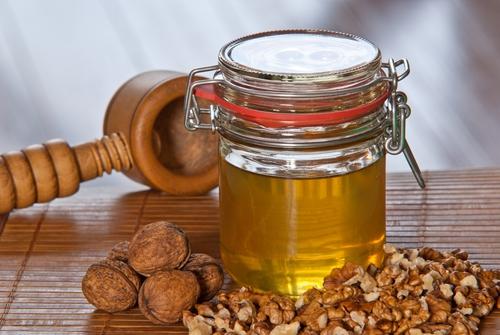 Výsledok vyhľadávania obrázkov pre dopyt vlašské orechy a med
